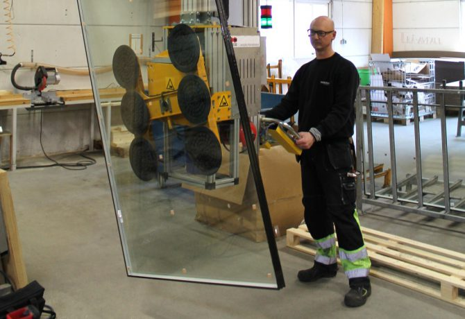 Glass industry – Lifting equipment